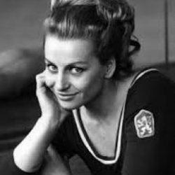 Vera Caslavska - Scatti d'atleta